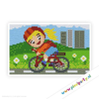 2a_033_pixelhobby_patroon_poppetje_meisje_fietsen